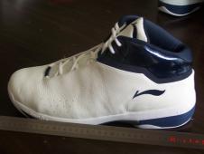 李宁球鞋怎么洗涤