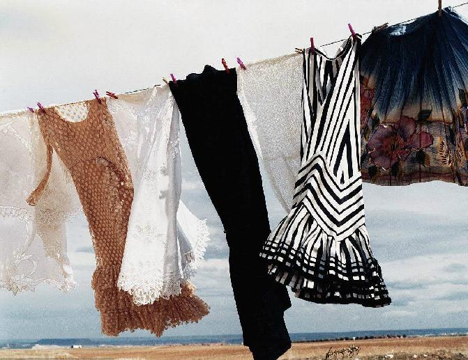 【怎么防止裙子褪色】裙子的洗涤方法,怎样才能在洗裙子时防褪色