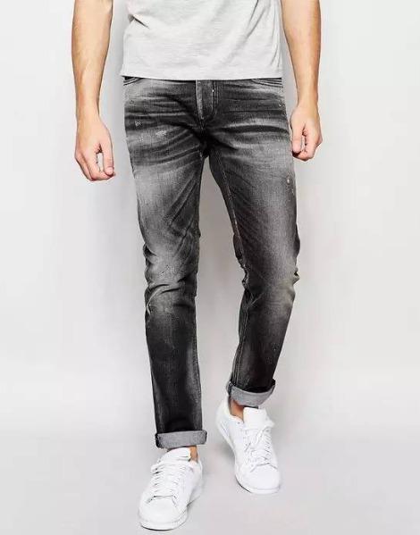 破洞牛仔裤,年轻人的首选!