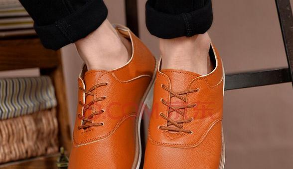 橙色的鞋子